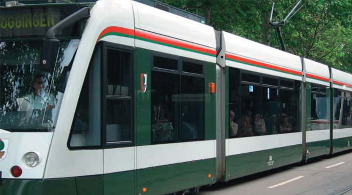 Improving On-Time Tram Performance with AVLC